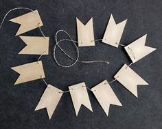 DIY WOOD BUNTING // great things to think about for the mobile!