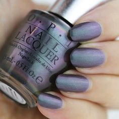 Loving the black pearl tones coming off this new DS shade. Nail That Accent shows off #DSCharcoal beautifully.