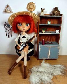 "Polubienia: 27, komentarze: 2 – Carmazin (@carmazin.art) na Instagramie: ""Just a quick photo of my #custom Pullip :3 #Carmazin #doll #faceup #repaint #repainteddoll…"""