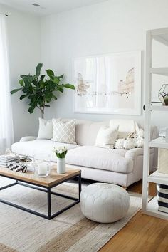 Best Perfect Small Living Room Decoration You Have to Know Best Perfect Small Living Room Decoration You Have to Know - Adorable Small Apartment Living Room Decoration Ideas On A Budgetvhomez Small Apartment Living, Small Living Rooms, Home Living Room, Bedroom Apartment, Cozy Apartment, Small Apartments, Rustic Apartment, White Couch Living Room, Apartment Ideas