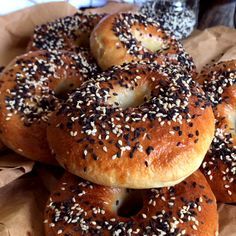 Easy Cooking, Cooking Time, Cooking Recipes, Pain Bagel, Whole Wheat Bagel, Bagel Breakfast Sandwich, Homemade Bagels, Le Chef, Snacks