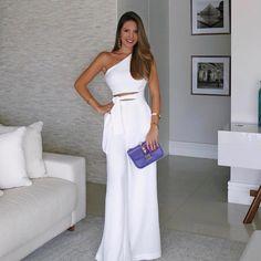 Fashion for Women Gorgeous! Elegant Office Women White Casual Jumpsuit One Shoulder Cutout Tie Waist Wide Leg Jumpsuit Trend Fashion, Womens Fashion, Fashion Fall, Classy Fashion, Fashion 2018, White Fashion, Fashion Design, Fashion Online, Latest Fashion