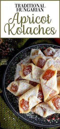 Traditional Hungarian Apricot Kolaches Traditional Hungarian Kolaches are cookies made with cream cheese dough and filled with apricot jam; they are very common at Christmastime. Single Serve Desserts, Desserts For A Crowd, Party Desserts, Delicious Desserts, Yummy Food, Hot Fudge Cake, Hot Chocolate Fudge, Fudge Recipes, Dessert Recipes