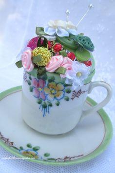 Pincushion Teacup ~ a keepsake gift! http://ourfairfieldhomeandgarden.com/pincushion-teacup-a-keepsake-gift/