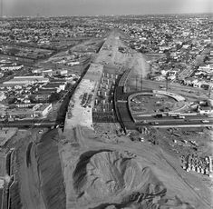 The Santa Monica Freeway under construction at La Cienega and Venice boulevards in 1964. Courtesy of the Los Angeles Times Photographic Archive, UCLA Library.