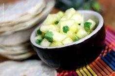 FRESH PINEAPPLE SALSA // Orzeźwiająca salsa z ananasa, kolendry i soku z limonki