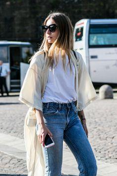 cream kimono over high waisted jeans