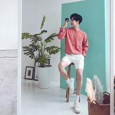 Fashion Model Men Menswear Street Styles 55 New Ideas Foto Fashion, Queer Fashion, Korean Fashion Men, Fashion Models, Korean Fashion Summer Street Styles, Korea Street Style, Fashion Boots, Womens Fashion, Ootd Poses