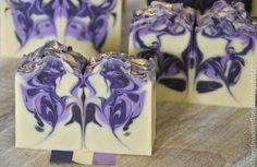 Handmade in Florida: The Butterfly Hanger Swirl