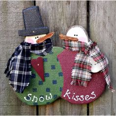 Primitive Snow Kisses Snowman Couple ($13) ❤ liked on Polyvore featuring home, home decor, star home decor, primitive home decor, snowman home decor, white home decor and handmade home decor