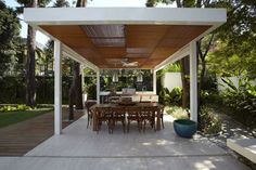 See photos of modern patio covers and get design ideas for your own backyard shade structure. Find out what makes modern patio covers unique. Diy Pergola, Gazebo, Wooden Pergola, Pergola Shade, Pergola Kits, Pergola Ideas, Cheap Pergola, Outdoor Spaces, Outdoor Living