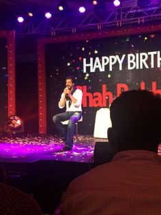 9 Times Shah Rukh Khan Stole Our Hearts Away On His Birthday!