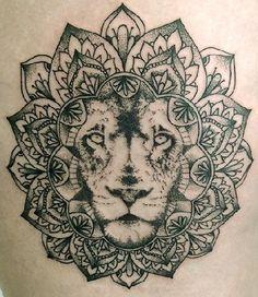 Lion Mandala tattoo by JC SpooNeedle Arton tattoo (France) Arm Tattoo, Tattoo Henna, Tatoo Art, Piercing Tattoo, Mandala Tattoo, Mandala Lion, Tattoos Motive, Love Tattoos, Beautiful Tattoos