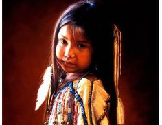 Native American Children's Alliance - Heart4Hearts new Native American MOSI doll slightly resembles the girl in this photo! Premières Nations, Native Child, Native American Children, Native American Photos, Native American Wisdom, Native American Beauty, American Indian Art, Native American History, American Indians