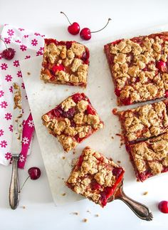 Nutrients Important As Antioxidants - Tricks of healthy life Cold Desserts, Delicious Desserts, Yummy Food, Gin Drink Recipes, Dessert Recipes, Gluten Free Recipes, Vegan Recipes, Cherry Crumble, Great Recipes
