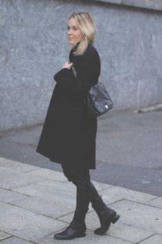 GURI HELI  |  Leowulff, bag, Nile, Black Normcore, Autumn, Chic, Bags, Outfits, Style, Fashion, Shabby Chic, Handbags