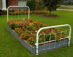 how to reuse and recycle metal bed frames for flower beds and garden design Flower Bed Designs, Flower Garden Design, Landscaping With Rocks, Front Yard Landscaping, Landscaping Ideas, Simple Flower Bed Ideas, Diy Flower, Flower Ideas, Raised Flower Beds