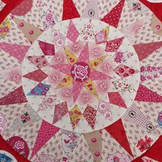 Irish circle, the centre Circle Quilts, Hexagon Quilt, Star Quilts, Mini Quilts, Quilt Blocks, Quilt Top, Celtic Quilt, Quilting Projects, Quilting Ideas