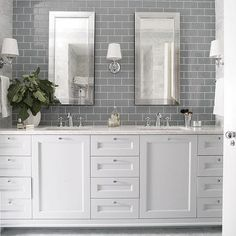 Bathroom decor for your master bathroom renovation. Learn bathroom organization, master bathroom decor some ideas, master bathroom tile tips, bathroom paint colors, and much more. Gray Subway Tile Backsplash, Grey Subway Tiles, Glass Subway Tile, Glass Tiles, Backsplash Ideas, Tile Ideas, Grey Tiles, Hex Tile, Tiling