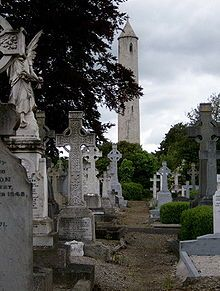 Poesia - Sanderlei Silveira: A Noiseless Patient Spider - Walt Whitman Cemetery Headstones, Old Cemeteries, Cemetery Art, Graveyards, Ireland Pictures, Round Tower, English Summer, Haunted Places, Ireland Travel