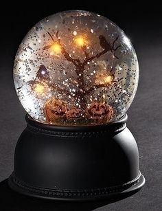 Halloween Ornaments, Halloween Home Decor, Halloween House, Halloween Crafts, Halloween Decorations, Homemade Snow Globes, Glitter Globes, Musical Snow Globes, Led Tree