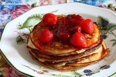 Mustikkasuu: marraskuuta 2012 Pancakes, Breakfast, Food, Morning Coffee, Essen, Pancake, Meals, Yemek, Eten