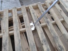 Fabulous tool for breaking down pallets for pallet projects - love love love!!!