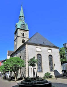 Hohenlimburg, ev.-reformierte Kirche - Hohenlimburg – Wikipedia Nassau, Refugee Crisis, European History, Mansions, House Styles, Archaeological Finds, Early Modern Period, Human Settlement, Manor Houses