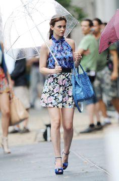 "Blair wears an Erdem Spring 2010 top, I Heart Ronson skirt, Sonia Rykiel heels and LAI Paris bag in 4x03 ""The Undergraduates"""
