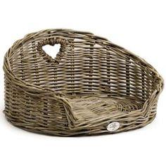 Hundekorb Brooke Archie & Oscar Größe: Klein: 32 cm H x 64 cm B x 50 cm T Archie, Wicker Baskets, My Favorite Things, Pets, Design, Decor, Wicker, Rattan, Basket