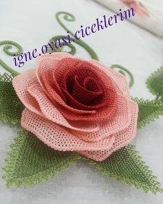 Görüntünün olası içeriği: yazı Color Crafts, Needle Lace, 2 Instagram, Matte Nails, Beaded Flowers, Costume, Tatting, Decoupage, Burlap