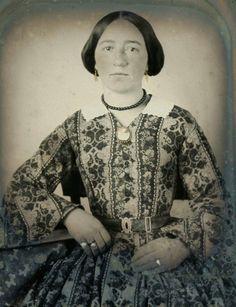 Vintage Photos Women, Vintage Ladies, Vintage Images, Vintage Dresses, Vintage Outfits, Vintage Clothing, Victorian Photos, Victorian Era, Victorian Ladies