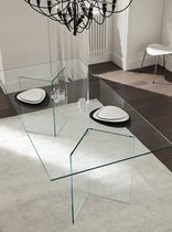 Mesa de vidrio moderna