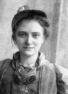 """mujer soldado de la resistencia polaca """"Ejército Nacional"""" (Armia Krajowa) 2WW ."""