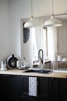 Offene Wohnküche im skandinavischen Stil #interior #einrihctung #ideen #landhausstil #landhaus #wohnen #living #dekoration #decoration #küche #Landhausküche  Foto: Mona24
