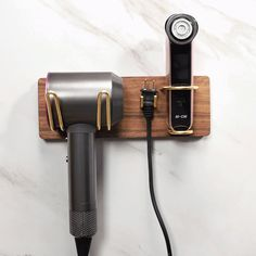 Stylish Wall-Mounted Hair Dryer Holder Brass Metal Walnut Backplate Hair Dryer Holder with Shelf - Bathroom Accessories - Bath & Faucets Bath Taps, Bathroom Sink Faucets, Brass Bathroom, Kitchen Faucets, Kitchen Canisters, Behindertengerechtes Bad, Makeup Table Vanity, Makeup Vanities, Makeup Tables