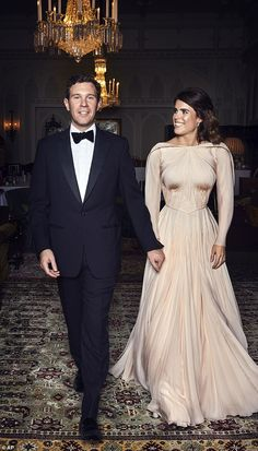 Princess Eugenie's Second Royal Wedding Dress by Zac Posen - Princess Eugenie Reception Dress Princesa Eugenie, Princesa Charlotte, Princesa Kate, Zac Posen, Second Wedding Dresses, Second Weddings, Queen Wedding Dress, Sarah Ferguson, Royal Brides