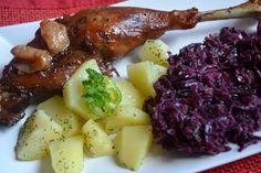 Libasült lila káposztával Steak, Dishes, Drink, Chicken, Recipes, Food, Lilac, Plate, Tablewares