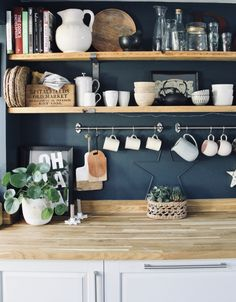 I'm off into London today to an event whic… Good morning folks, happy Thursday! I'm off into London today to an event which. Cosy Kitchen, Mini Kitchen, Kitchen Shelves, Kitchen Dining, Kitchen Decor, Kitchen Ideas, Kitchen Inspiration, Dining Room, Interior Design Magazine
