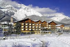 Hotel Matschner surrounded by the imposing Dachstein peaks