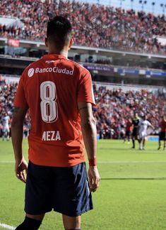 Maxi Meza #Independiente Soccer, Football, Sports, Rey, Wallpapers, Football Art, Soccer Pictures, Falling Down, American Football