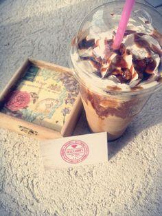 Fie dimineața...fie seara...un frappe este întotdeauna binevenit! @coffeepointbrasov @coffeepoint #accessoriesforstars #break #frappe #frappuccino #coffee #caramel #vintage #sun #lovemoments #inlovewithcoffee #sweetmoments #cafea #brasov Frappuccino, Frappe, Caramel, Ice Cream, Desserts, Vintage, Food, Sticky Toffee, No Churn Ice Cream