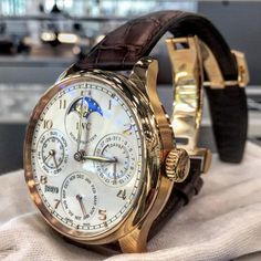 Will always be one of the most iconic perpetual calendar watches in the modern age. Very user-friendly as well. If you've got humungous… Iwc Watches, Cool Watches, Best Skeleton Watches, Iwc Chronograph, Most Beautiful Watches, Wear Watch, La Mode Masculine, Luxury Watches For Men, Fashion Watches