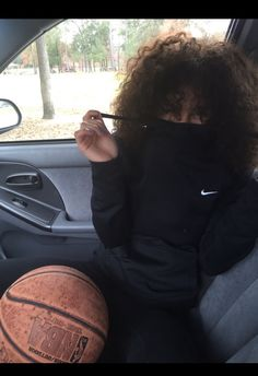 Uploaded by كامي. Find images and videos about hair, nike and curly on We Heart It - the app to get lost in what you love. Black Girls Hairstyles, Cute Hairstyles, Curly Hair Styles, Natural Hair Styles, Pelo Afro, Dope Outfits, Curly Girl, Tumblr Girls, Fashion Killa