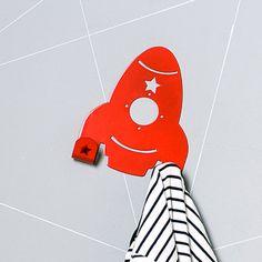 Eina Design Metalen Kinderkapstok Raket Rood