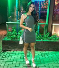 Night 🌟#simplesvaidade ▫ #lookbook #lookoftheday #dress #girlfashion #morena #cabelosdivos #fashiongirl #lookofthenight #perfeita #elegance… Teen Girl Outfits, Chic Outfits, Trendy Outfits, Dress Outfits, Fashion Outfits, Womens Fashion, Cute Dresses, Casual Dresses, Lace Up Bodycon Dress