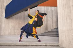 Sacai x Nike Fall 2019 Ad Campaign with Naomi Osaka. Sacai Creative Director Chitose Abe teams with Nike for latest campaign featuring tennis star Naomi Osaka Men Fashion Show, World Of Fashion, Men's Fashion, Pepe Jeans, Nike Campaign, Moda Nike, Sky Brown, New York Photography, Fashion Photography