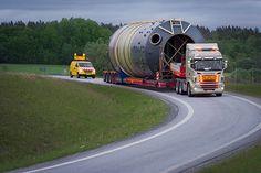 """WEISWAMPACH(Luxemburg) - """"Let's make the impossible possible"""", dat motto staat in het groot op de website van het Finse bedrijf AT Specialtransport. Het materiaal waarmee aan die ambitieuze missie gewerkt wordt komt van Faymonville.  Sinds 2007 legt het bedrijf uit Kokkola zich toe op speciale en zware transporten in Finland. """"We kenden een erg goede start en toen we nieuw materieel nodig hadden, kwamen we in contact met Pekka Roponen, de dealer van Faymonville. Er groeide al snel een…"""