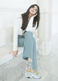 Good night monday my life from my family happened beloved together is have babies . Song Hye Kyo Style, Short Girl Fashion, Women's Fashion, Best Photo Poses, Korean Actresses, Celebs, Celebrities, Short Girls, Daegu