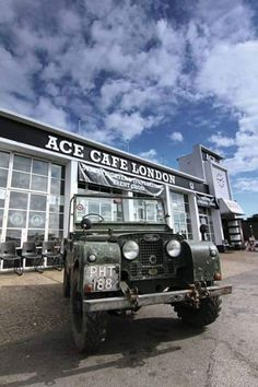 Landy at The Ace